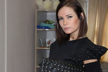 Айза Долматова сыграла главную роль в клипе