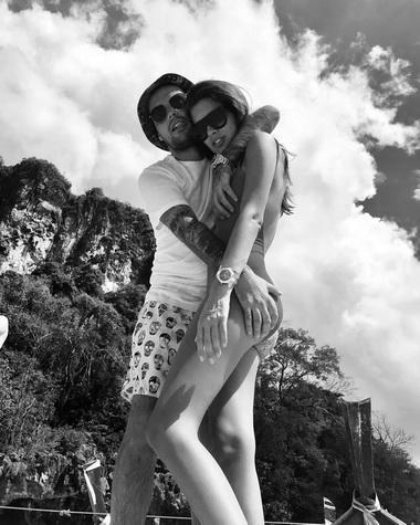 Гуф и Кэти Топурия на отдыхе.